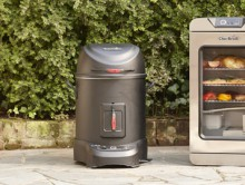 The first of their kind, the Simple Smoker ($299) and Digital Electric Smoker ($399) sync to your smart device over Wi-Fi utilizing the Char-Broil app, which allows connected users more convenience and freedom than ever before. Users of all skill levels will have an outdoor cooking experience that is all about leveraging innovative technology to consistently create superior taste, perfect cooking techniques and enjoy an effortless smoking routine. (PRNewsFoto/Char-Broil, LLC)