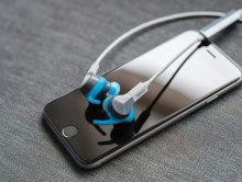 Introducing the world's first Sports headphones with automatic rep counting (PRNewsFoto/Jabra)
