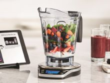 With the Vitamix Perfect Blend Smart Scale & Recipe App, creating a blended soup, smoothie, dressing or any blended recipe is easy. (PRNewsFoto/Vitamix)